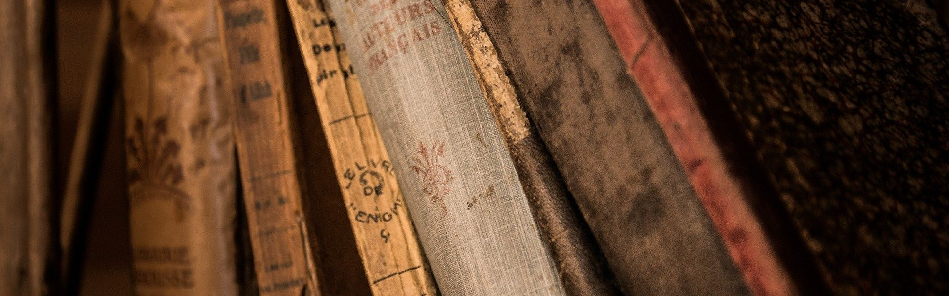 old-books-436498_1920x900